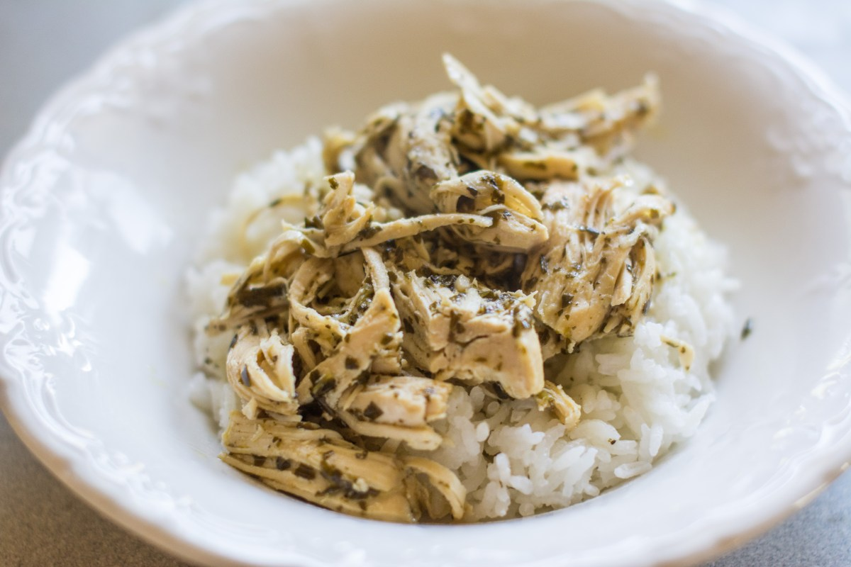 Cooking for a Crowd: 3-Ingredient Pesto Ranch Chicken {Slow Cooker}